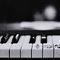 Inspiracje muzyczne na ślubie: fortepian w połączeniu z pierścionkami, Foto: Phindy Studio