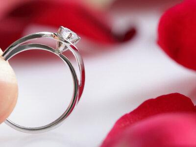¿Cómo escoger el anillo de compromiso perfecto para ella? Consíguelo en 3 pasos