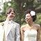 Boutonniere originali per lo sposo. Foto: Sara Culver