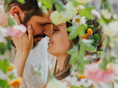 Casamento hippie ao ar livre de Marina e João Paulo: pés descalços, muito amor e descontração!