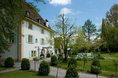 Willkommen im Schloss Uebertorf: Feiern Sie Ihre Hochzeit an einem Ort voller Geschichte und besinnlichem Charme!