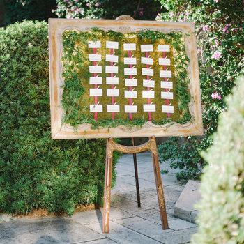 Jak usadzić gości przy stołach na swoim ślubie? Poznaj najlepsze pomysły