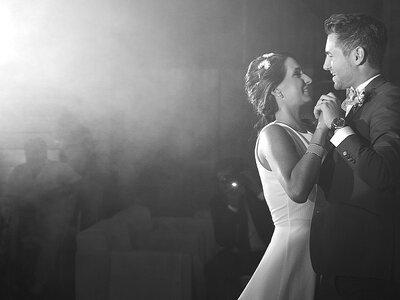 Découvrez le joli mariage sur le thème de New York de Julie et Anthony