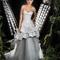 Vestido de novia largo en tonos plata con superposición de telas y escote en corazón