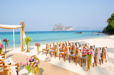 Packing to For Your Destination Wedding: The 5 Situations to Prepare For