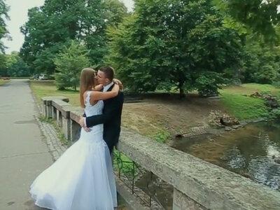 Teledysk ślubny: przysięga małżeńska niczym królewna i książę! Zobacz!