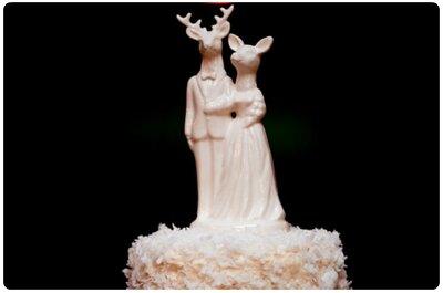 Macché ciliegina... Sulla vostra torta nuziale, un meraviglioso cake topper!