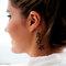 Noiva com tatuagem delicada de estrelas. Foto: Patricia Figueira