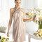 Vestido corto halter en color nude para damas de boda