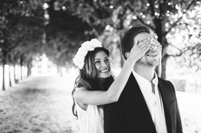 Свадебная фотосессия в Париже: черно-белый город для двоих