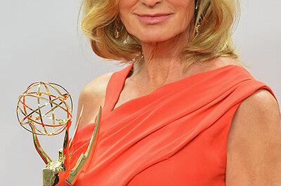 Convidadas acima dos 50: o look de Jessica Lange nos Emmy