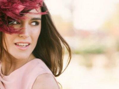 Invitada de día y de noche: cómo elegir el look según el tipo de boda