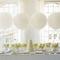 Decoración en color blanco para boda - Foto Adam LeSage Photography