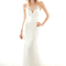 Vestido de novia 2013 con transparencias, escote en V y cola