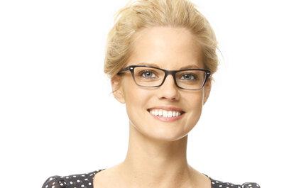 Novia con gafas: descubre las que mejor te sientan según la forma de tu rostro