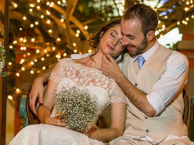 Mini wedding de Aline e Eduardo: retrô, MEGA acolhedor e sem protocolos!