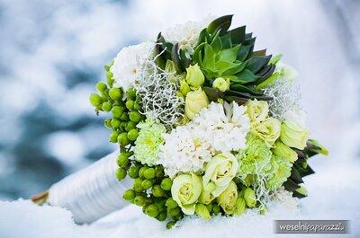 Zielony bukiet ślubny i aranżacje kwiatowe na zimowe wesele