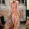 Robe Emilio Pucci 2015 vaporeuse avec des imprimés ethniques un dos nu.
