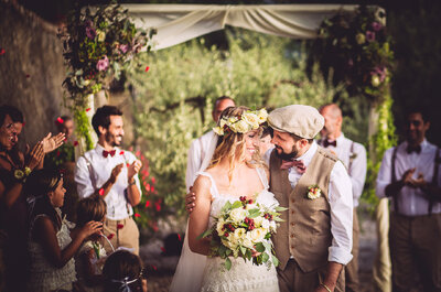 Un matrimonio boho-chic nelle campagne toscane: le nozze di Serena e Marco