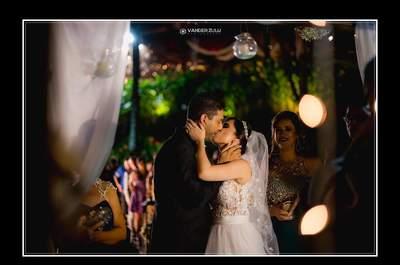 48 fotos de beijos de recém-casados que te farão desejar dizer