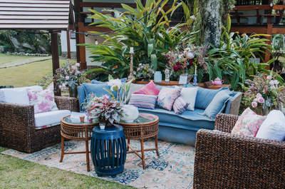 Muebles de colores: ¡Luce una decoración alegre y personalizada en tu boda!
