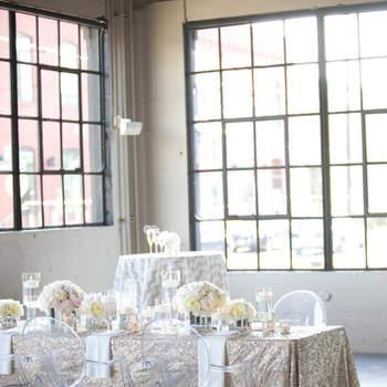 Elegant, schick und verspielt, es müssen nicht immer Stuhlhussen als Deko-Element bei Ihrer Hochzeit sein!