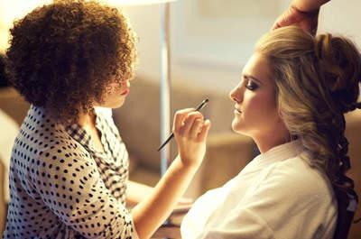 Maquiagem de noiva para disfarçar imperfeições: dicas profissionais!