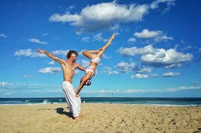 Lust auf eine Zirkus Hochzeit? Das Paar Cheetah und Rhiann zeigt Ihnen, wie Sie diesen Traum verwirklichen!