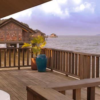 Traumhafte Flitterwochen im Vedanā Lagoon Resort und Spa: Ihre unvergessliche Hochzeitsreise wartet!