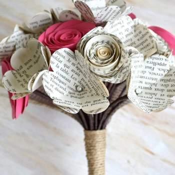 Wie integriere ich Origami und recyceltes Papier in meine Hochzeitsdekoration?