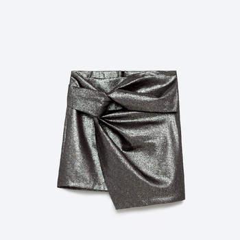 Atenção convidadas: A tendência das saias páreo que não podem perder por nada!