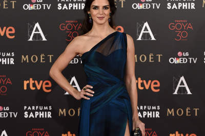Derroche de elegancia en la alfombra roja de los Premios Goya 2016. ¡Descúbrela foto a foto!