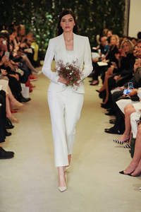 Hosenanzüge als neuer Trend 2016? Es müssen nicht immer Brautkleider sein!