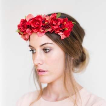 Gościu specjalny! Najnowsze trendy w nakryciu głowy na wiosenne wesela!