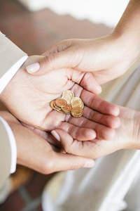 ¿Qué significan las arras del matrimonio?