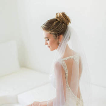¡Elegancia, juventud y sencillez!  23 peinados de novia con moño 2017 que no te puedes perder