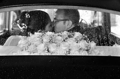 Pioggia prevista per il tuo matrimonio? 5 motivi per non entrare nel panico!