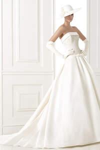 Vestidos de novia con falda en corte A 2015