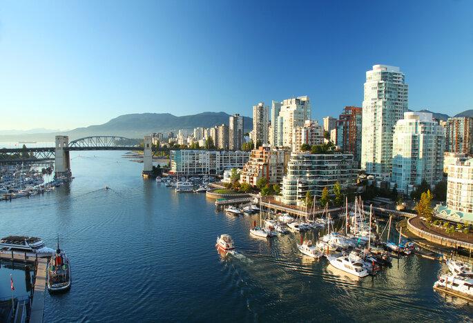 Luna de miel en Canadá (Vancouver) - Shutterstock