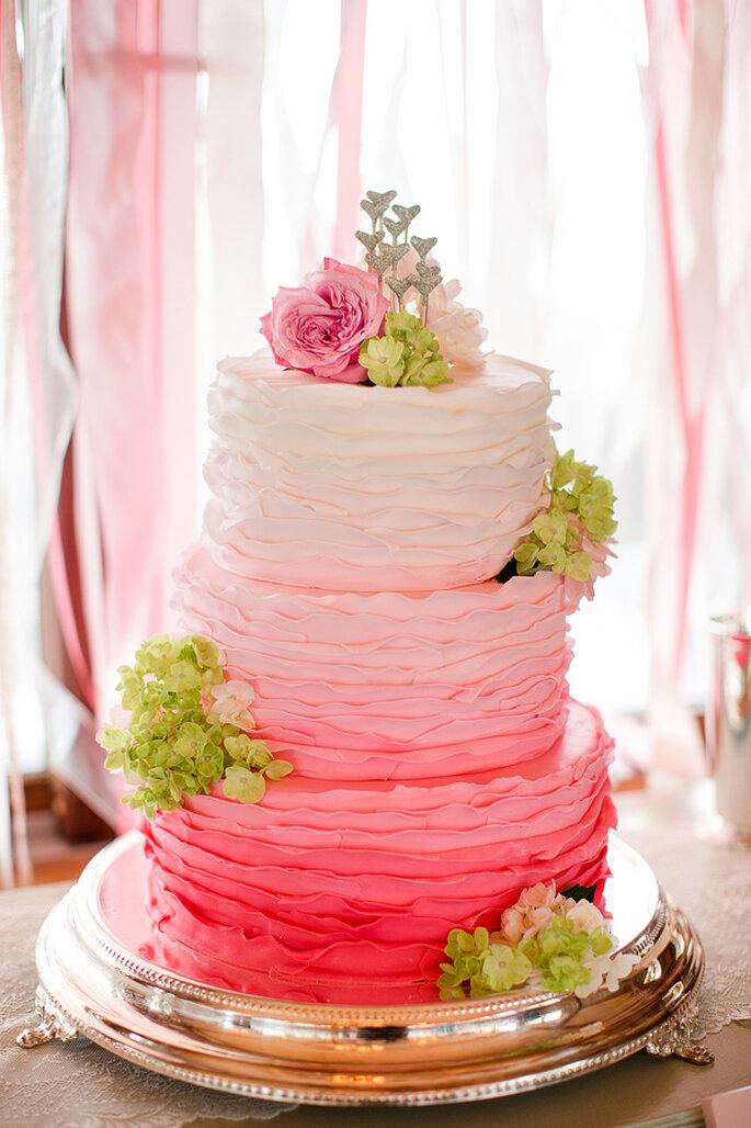 Pasteles de boda multicolor para 2014 - Foto Katelyn James