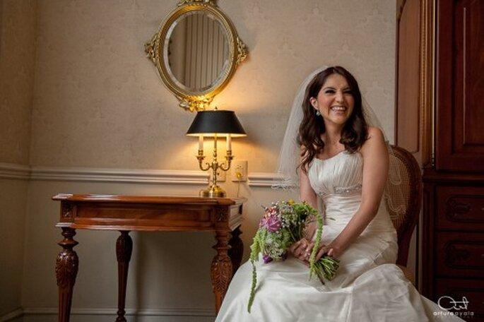 Tu vestido debe hacerte lucir hermosa y las fotos de tu boda deben ser preciosas - Foto Arturo Ayala
