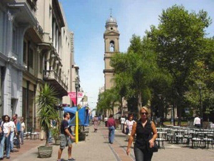 De paseo por la Peatonal Sarandí