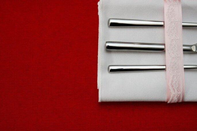 Rojo en contrastem una forma magnífica de darle vida a tu montaje - Foto In The Now Weddings