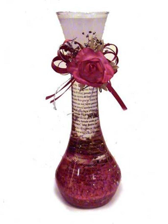 Entrega personalizada de invitaciones en botellas