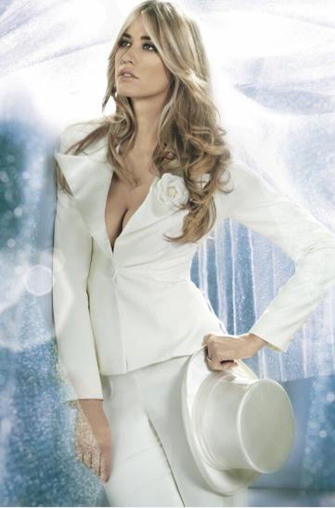 Traje pantalón de novia de Alessandro Couture