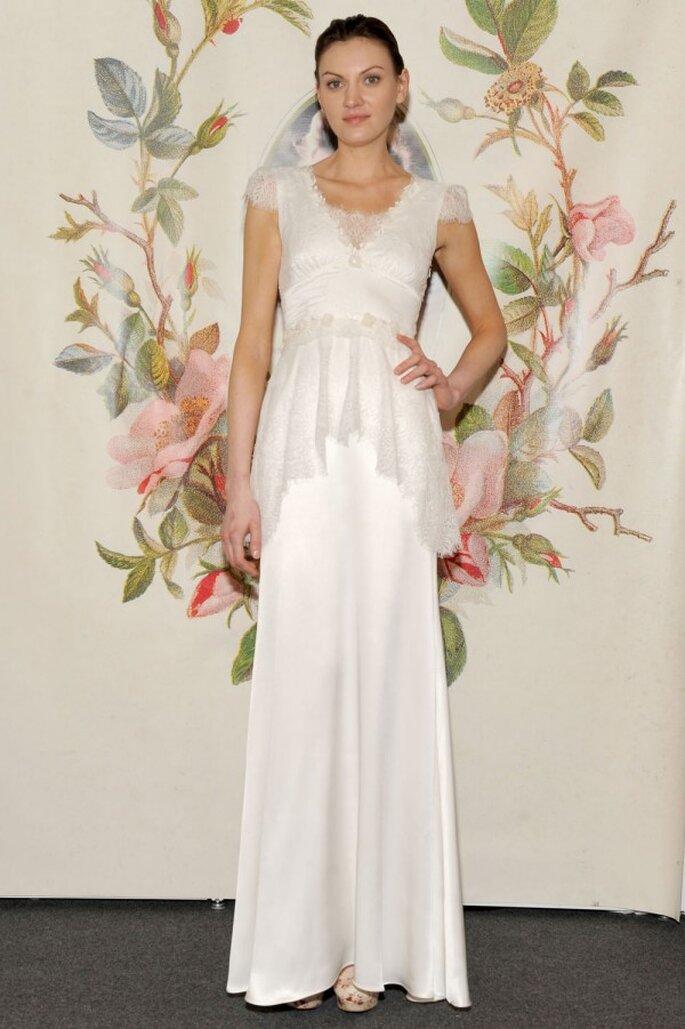 Vestido de novia con mangas cortas y silueta peplum - Foto Claire Pettibone