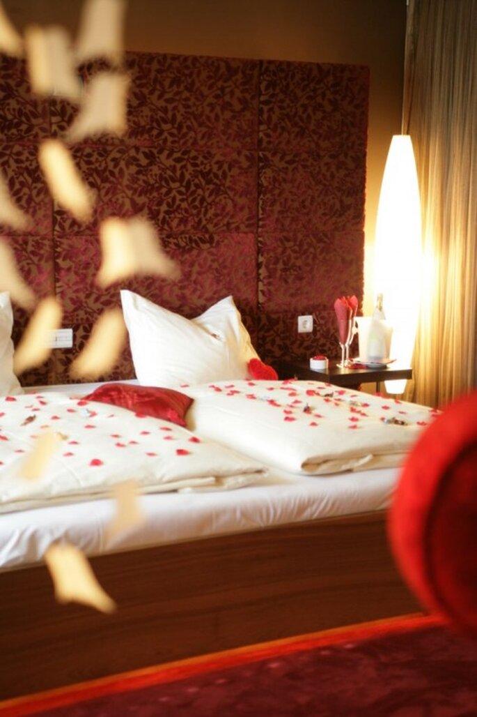 Romantisch wird es in der Honeymoon-Suite für frisch Verlobte – Foto: www.maiers.at/liebeshotel