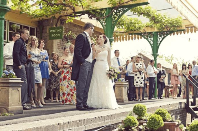 Ejemplo de una boda pequeña e íntima - Foto Cotton Candy Weddings