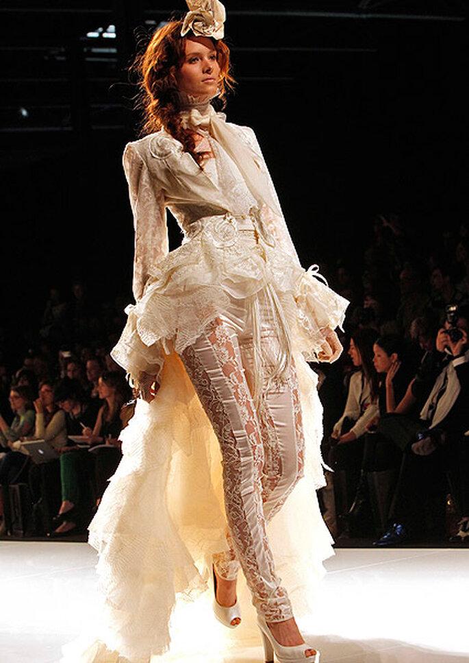 Vestido de novia-pantalón, de YolanCris 2013. Foto: Barcelona Bridal Week