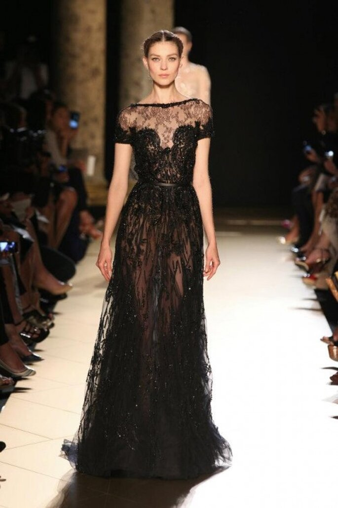 Vestido de gala de color negro para una boda - Foto Elie Saab 2013